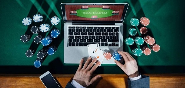Texas Holdem laptop graphic